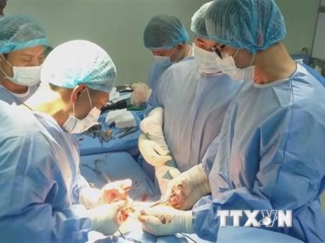 Cứu sống bệnh nhân bị vỡ tim, gãy hàng loạt xương sườn
