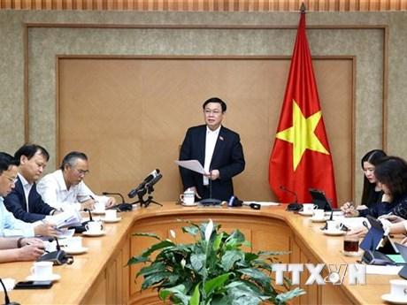 Phó Thủ tướng: Chính phủ bảo đảm điều hòa được cung-cầu thịt lợn