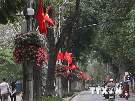 Hà Nội trang hoàng, cổ động kỷ niệm 45 năm thống nhất đất nước | Xã hội | Vietnam+ (VietnamPlus)