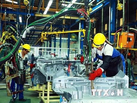 Nội địa hóa yếu, giá ôtô sản xuất trong nước cao hơn ôtô nhập | Ôtô-Xe máy | Vietnam+ (VietnamPlus)