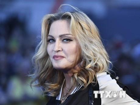 Instagram xóa bài đăng của ngôi sao Madonna do tin sai về COVID-19
