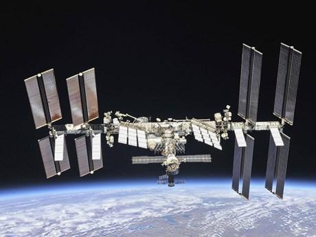 Dòng mỹ phẩm đầu tiên trên thế giới thích hợp sử dụng trong vũ trụ