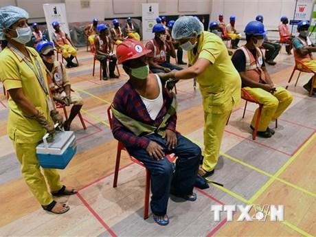 Ấn Độ lập kỷ lục về số liều vaccine COVID-19 tiêm trong một ngày