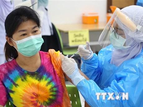 Trung Quốc nghiên cứu về hiệu quả miễn dịch khi tiêm mũi 3 vaccine