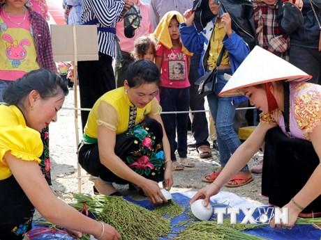 Lễ hội cốm Tú Lệ - tôn vinh giá trị văn hóa truyền thống dân tộc Thái