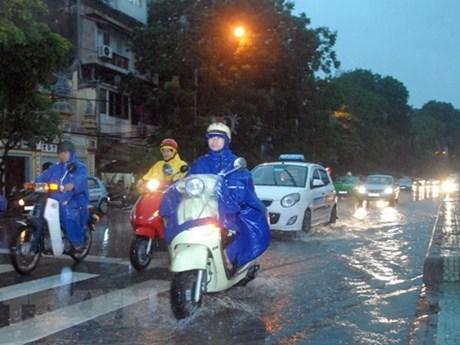 Ảnh hưởng của rãnh áp thấp bị nén, Bắc Bộ sắp có mưa dông diện rộng | Môi trường | Vietnam+ (VietnamPlus)