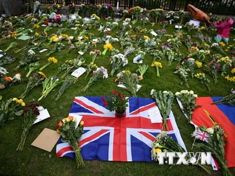 Người dân nước Anh tiếc thương tiếc Thân vương Philip qua đời