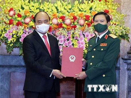 Chủ tịch nước trao Quyết định bổ nhiệm Tổng Tham mưu trưởng QĐND
