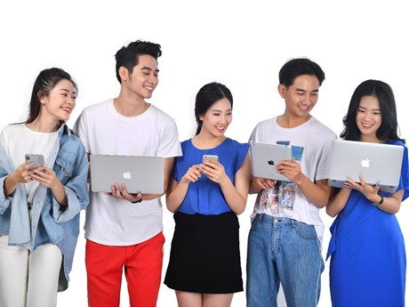 ''Cơn lốc'' 4.0 và giới trẻ Việt Nam trong thời kỳ chuyển đổi số