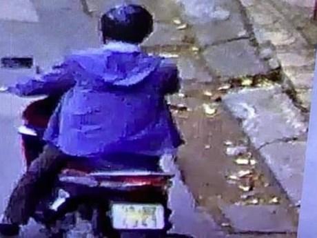 Hình ảnh đầu tiên về đối tượng lạ nghi dụ dỗ học sinh  | Xã hội | Vietnam+ (VietnamPlus)