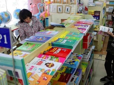 'Thẩm định sách giáo khoa còn tư biện, kinh nghiệm và xa rời thực tế'   Giáo dục   Vietnam+ (VietnamPlus)