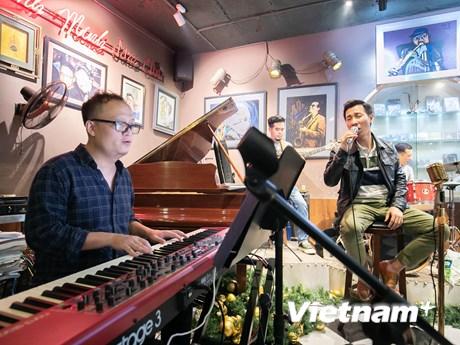 Ca sỹ Lê Anh Dũng ra mắt tuyển tập ca khúc của nhạc sỹ Đức Huy
