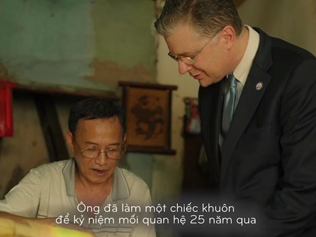 Khuôn bánh Trung Thu 25 năm Việt - Mỹ và nghệ nhân phố cổ cuối cùng