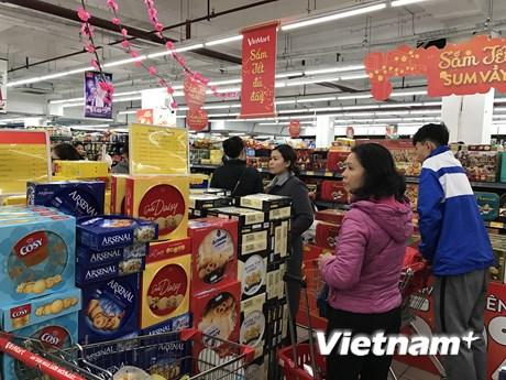 Nhiều siêu thị mở cửa xuyên Tết Nguyên đán phục vụ người dân   Thị trường   Vietnam+ (VietnamPlus)