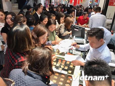 Đảo chiều, giá vàng SJC giảm gần 200.000 đồng phiên cuối tuần