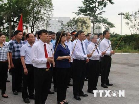 Dâng hương tưởng niệm đồng chí Hoàng Quốc Việt tại Bắc Ninh