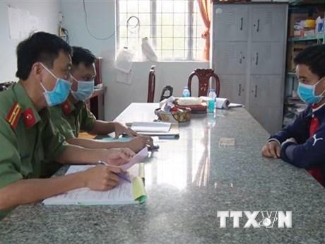 Xử phạt nam thanh niên tung tin 'chợ Tri Tôn có người nhiễm corona' | Pháp luật | Vietnam+ (VietnamPlus)
