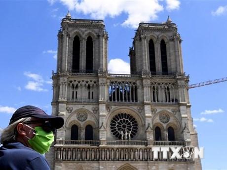 Đa số người dân Pháp ủng hộ phục dựng ngọn tháp của Nhà thờ Đức Bà | Văn hóa | Vietnam+ (VietnamPlus)