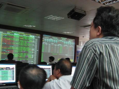 Chuyển bớt giao dịch từ HOSE sang HNX để giảm tải hệ thống
