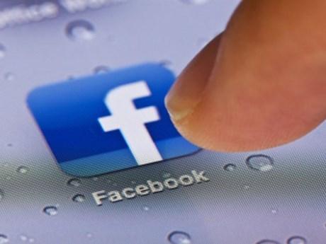 Tổng thống Mỹ kêu gọi Facebook ngăn chặn tin giả về vaccine