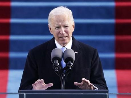 Tân Tổng thống Mỹ đảo ngược hàng loạt chính sách của người tiền nhiệm