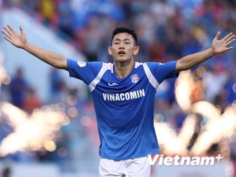 Sao trẻ U22 Việt Nam nhận mưa lời khen nhờ siêu phẩm trước Nam Định
