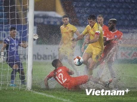 Kết quả V-League: Nam Định thắng SHB Đà Nẵng, Quảng Ninh hòa Hà Tĩnh
