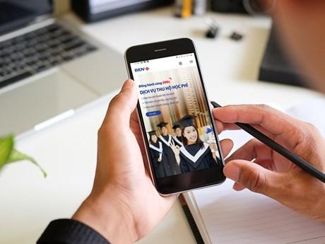 Dịch vụ thu hộ thúc đẩy thanh toán phi tiền mặt trong giáo dục