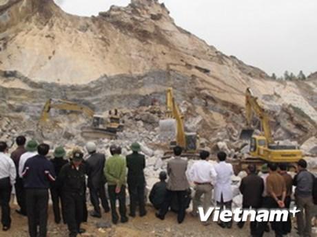 Bảo trợ con cái của nạn nhân vụ sập mỏ đá Lèn Cờ