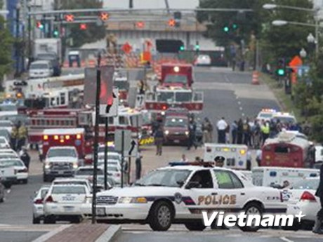 Hung thủ vụ xả súng ở Mỹ có biểu hiện bất thường