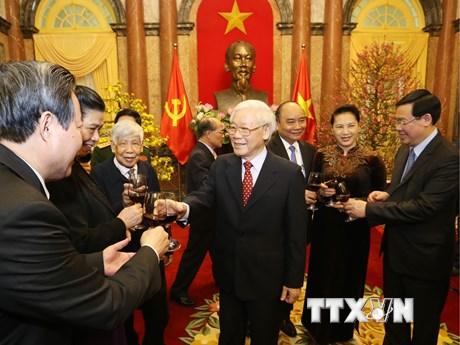 Hình ảnh Tổng Bí thư, Chủ tịch nước chúc Tết lãnh đạo Đảng, Nhà nước