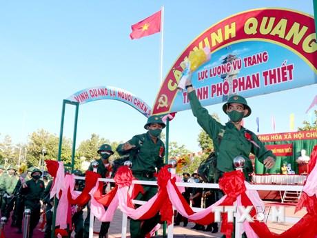 Tân binh ở nhiều địa phương lên đường thực hiện nghĩa vụ quân sự