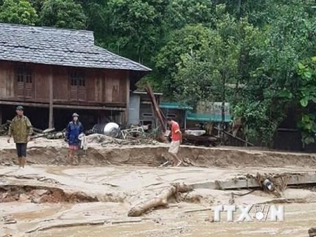 Hình ảnh nhiều bản làng ở Thanh Hóa bị cô lập hoàn toàn do mưa lũ | Môi trường | Vietnam+ (VietnamPlus)