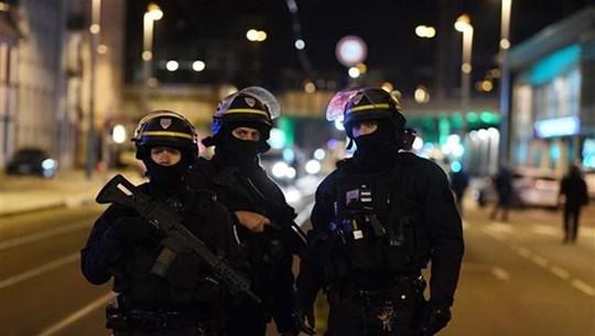 Pháp triệt phá băng nhóm đưa người Trung Quốc nhập cảnh trái phép