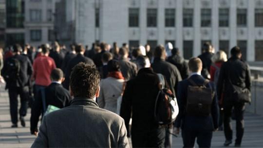 Nhu cầu tuyển dụng của doanh nghiệp Anh bứt khỏi mức thấp nhất