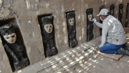 Peru phát hiện hàng chục tác phẩm điêu khắc 750 năm tuổi