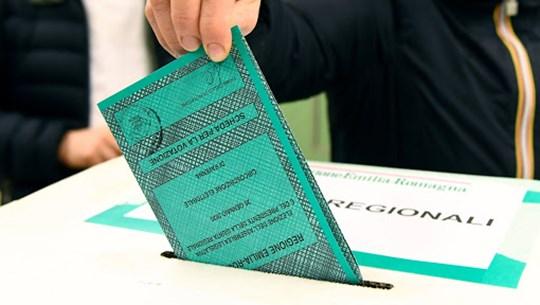 Italy bầu cử địa phương và trưng cầu ý dân về cải cách hiến pháp
