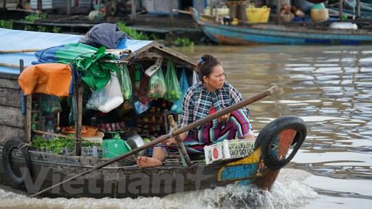 Quyên góp gây quỹ ủng hộ người gốc Việt trên Biển Hồ Campuchia