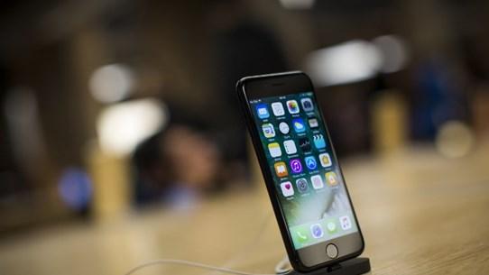 Apple xác nhận một số sản phẩm iPhone 7 bị lỗi mất mạng di động