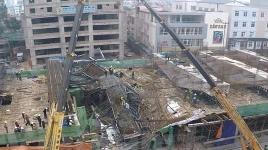 """[Video] Tổng thầu Trung Quốc """"trảm"""" giám đốc đường sắt trên cao"""