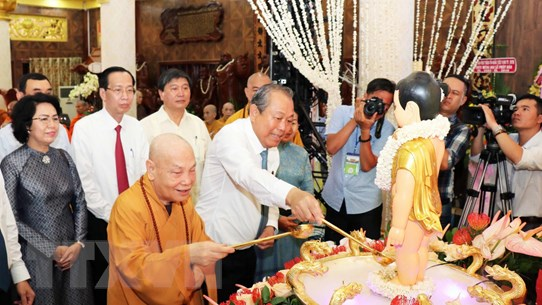 Phó Thủ tướng chúc mừng Đại lễ Phật đản tại Thành phố Hồ Chí Minh