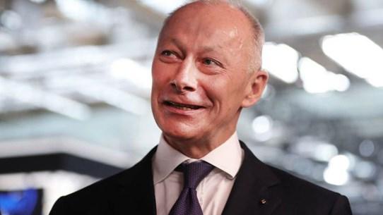Hãng Renault bất ngờ sa thải Giám đốc điều hành Thierry Bollore