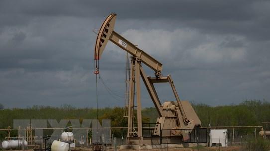 Lo ngại về triển vọng kinh tế Trung Quốc kéo giá dầu giảm gần 2%