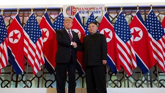 Tổng thống Mỹ không thể cùng giải quyết vấn đề Triều Tiên, Trung Quốc
