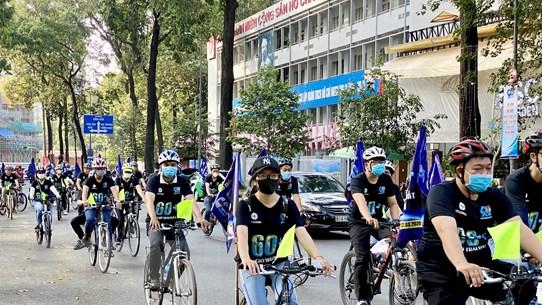 Thành phố Hồ Chí Minh: Hàng trăm người đạp xe hưởng ứng Giờ Trái đất