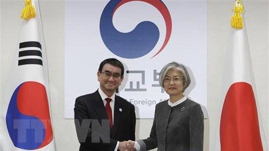 Ngoại trưởng Nhật-Hàn hội đàm giữa lúc gia tăng tranh cãi ngoại giao