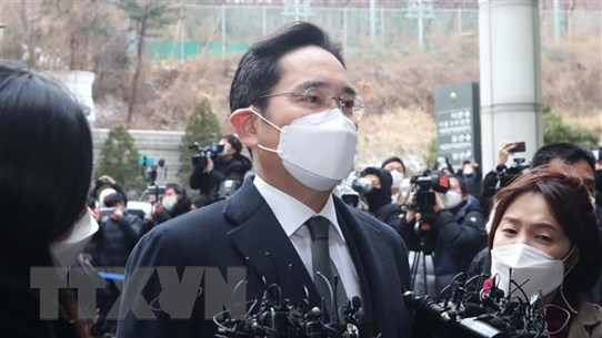 Người thừa kế Samsung trở lại thụ án tù sau phẫu thuật viêm ruột cấp