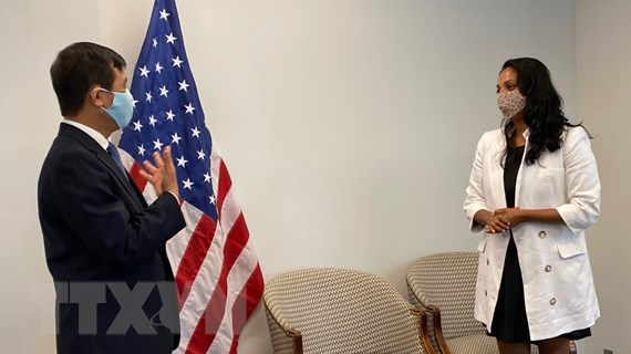 Hà Nội trao tặng thành phố New York 2 tấn khẩu trang