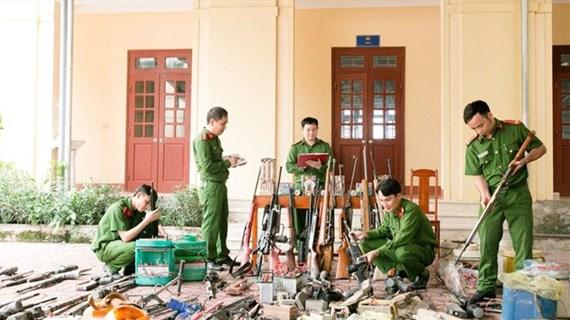 Công an Hà Tĩnh thu hồi hàng nghìn vũ khí, vật liệu nổ