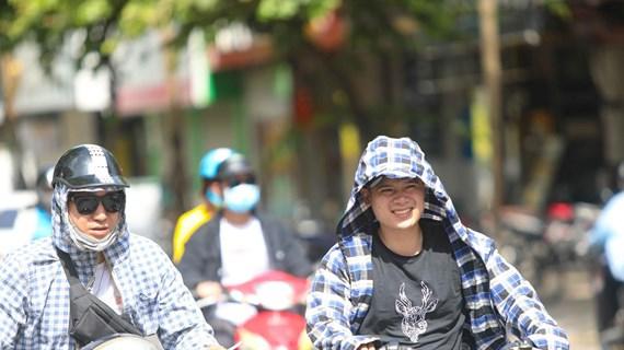 Ngày 9/7, Trung Bộ nắng nóng đặc biệt gay gắt, có nơi trên 40 độ C